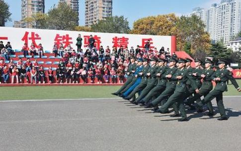 2019年湖南高校招生军事院校本科计划(女)平行一志愿投档分数线