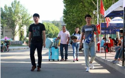 2019級呼和浩特職業學院新生開學時間和入學指南及入學軍訓考試(原創)