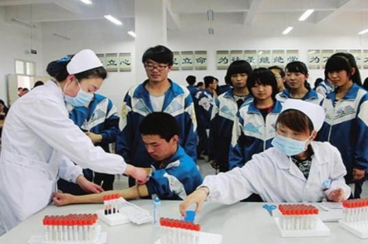 高考體檢抽血檢查什么