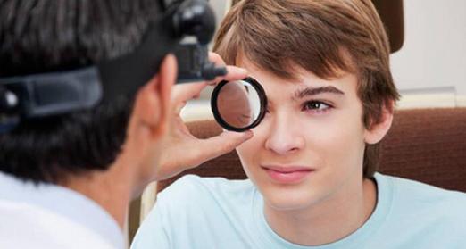 高中生近视眼手术利与弊 引起近视的原因是什么