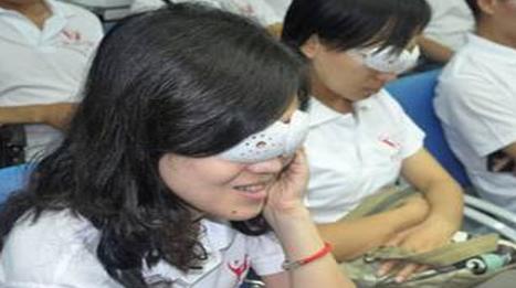 高中生眼睛近视做手术好吗 近视手术有什么后遗症